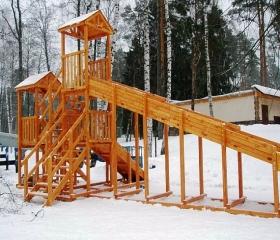Горка для зимнего катания №1