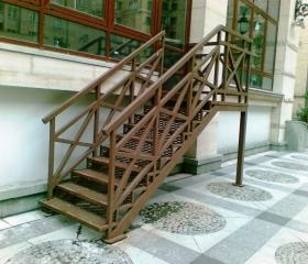 Лестница 110